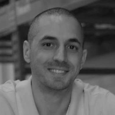 "<a href=""https://www.linkedin.com/in/marcdecaria/"" Target=""Blank"">Marc Decaria <i class=""fa fa-linkedin-square"" aria-hidden=""true""></i></a>"